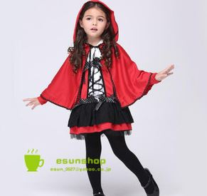 赤ずきんの黒スカート